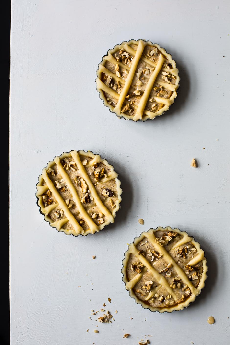 'mágnás' walnut pie from the Taste of Memories Hungarian country kitchen www.tasteofmemories.com