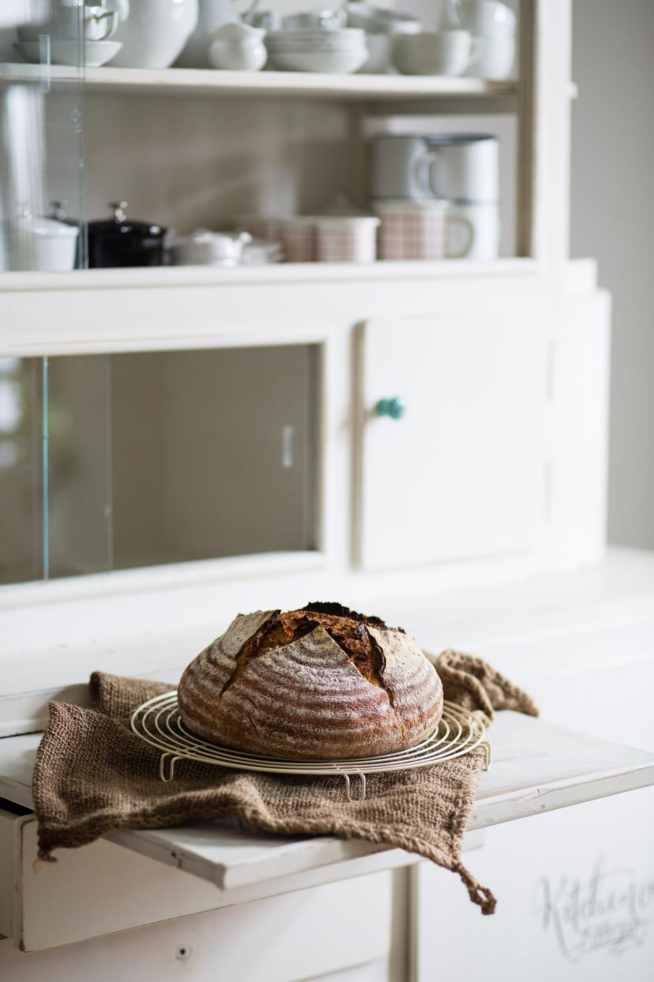 a bread lover's story www.tasteofmemories.com